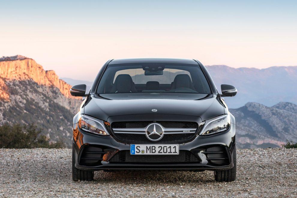 Conheça as 10 marcas de carros mais valiosas do mundo - Automais 2fbb4cd997064
