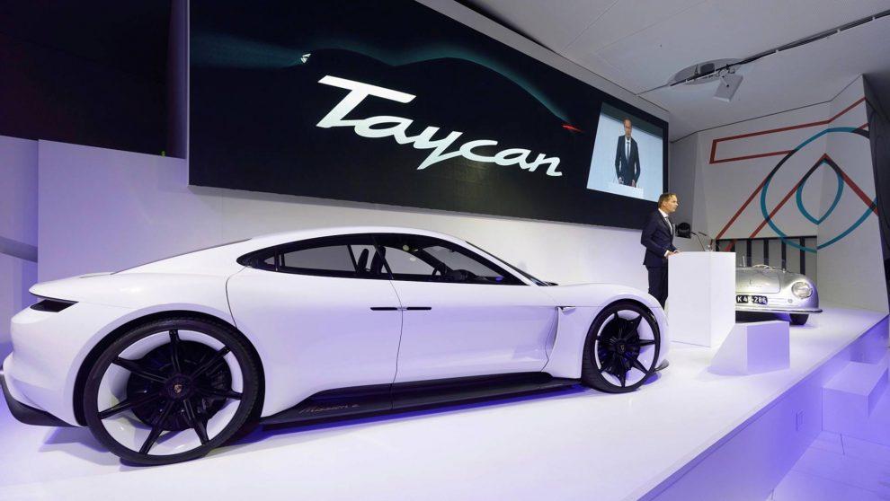 Ex Misson-E  Taycan é o nome do esportivo elétrico da Porsche - Automais 52d9a12864e98