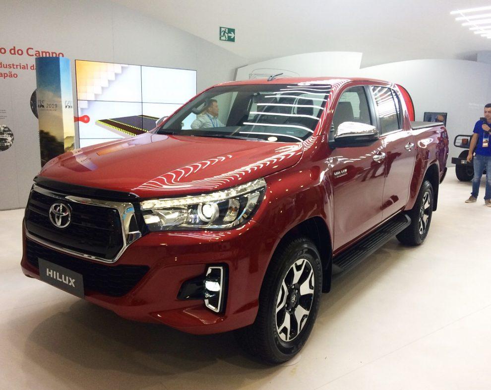 Toyota Hilux 2019 traz visual repaginado - Automais