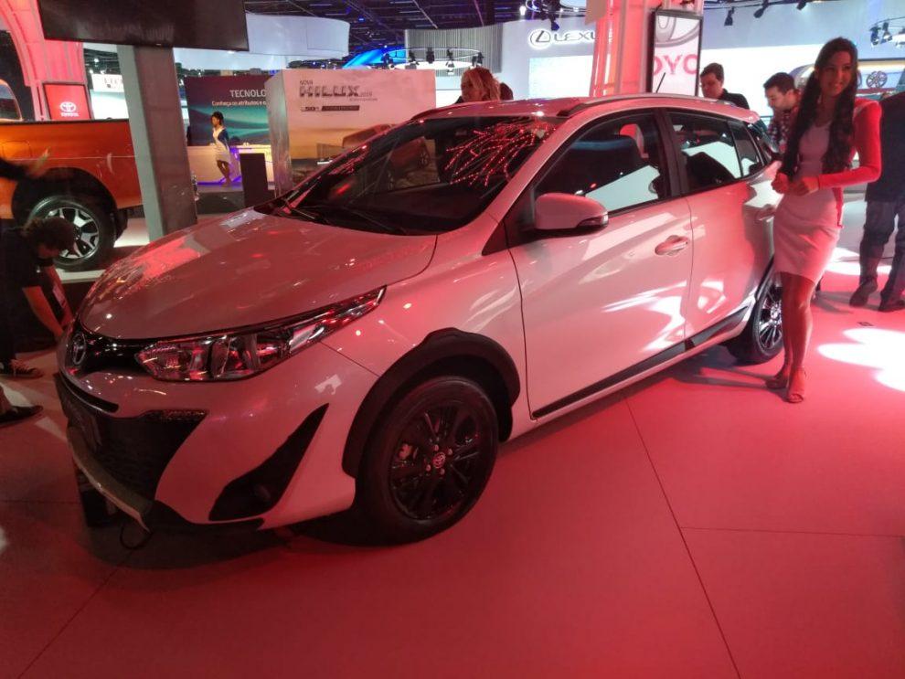 Toyota apresenta rival para o Hyundai HB20X e Onix Activ - Automais 508d75079bfdb