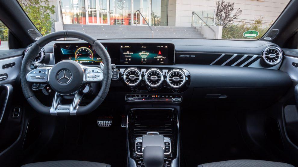 Mercedes-AMG CLA 45 S [divulgação]