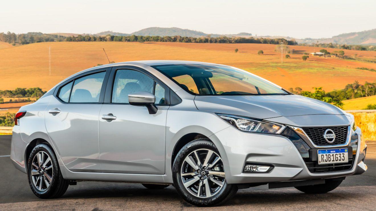 Nissan Versa Advance [divulgação]