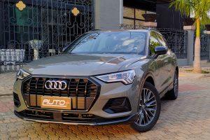 Audi Q3 Black [Auto + / João Brigato]