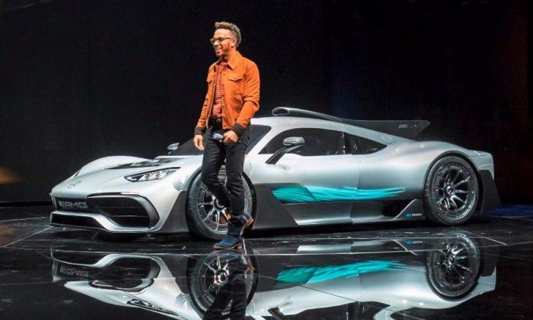 Mercedes-AMG One e Lewis Hamilton [divulgação]