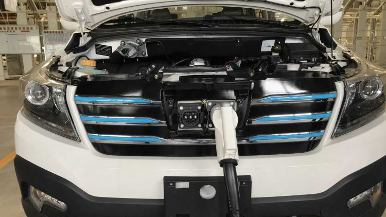 Keyton EX7 é minivan elétrica rival da Chevrolet Spin [divulgação]