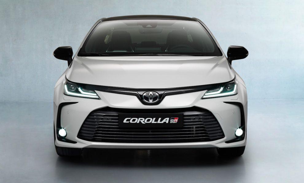 Toyota Corolla GR será vendido no Brasil junto da Hilux GR [divulgação]