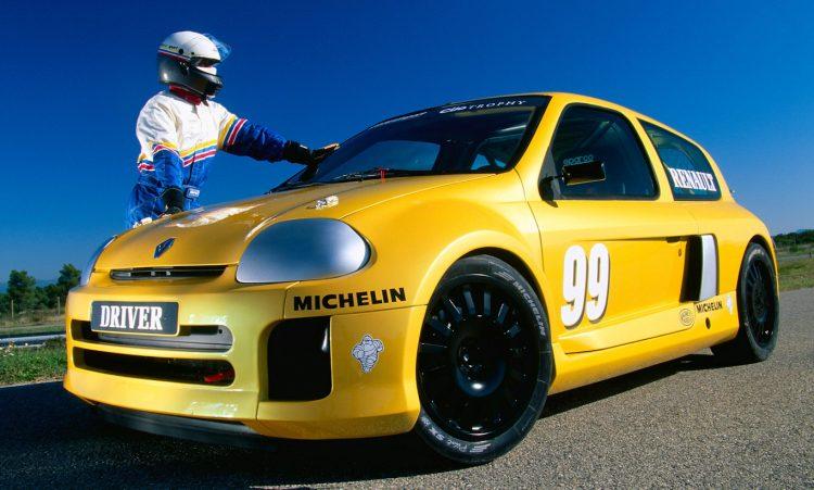 Renault Clio V6 Trophy [divulgação]