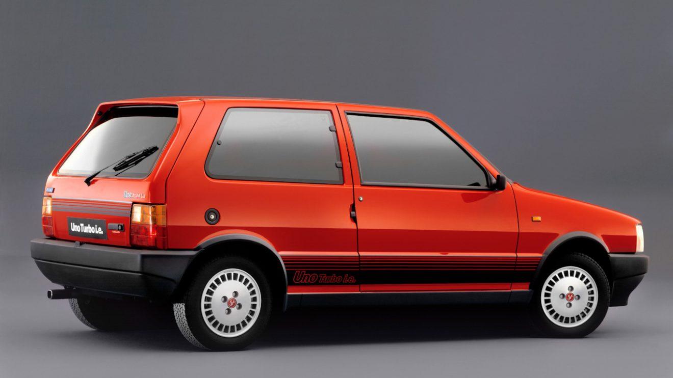 Fiat Uno Turbo i.e. [divulgação]