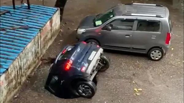 Hyundai Venue no buraco [India Today]